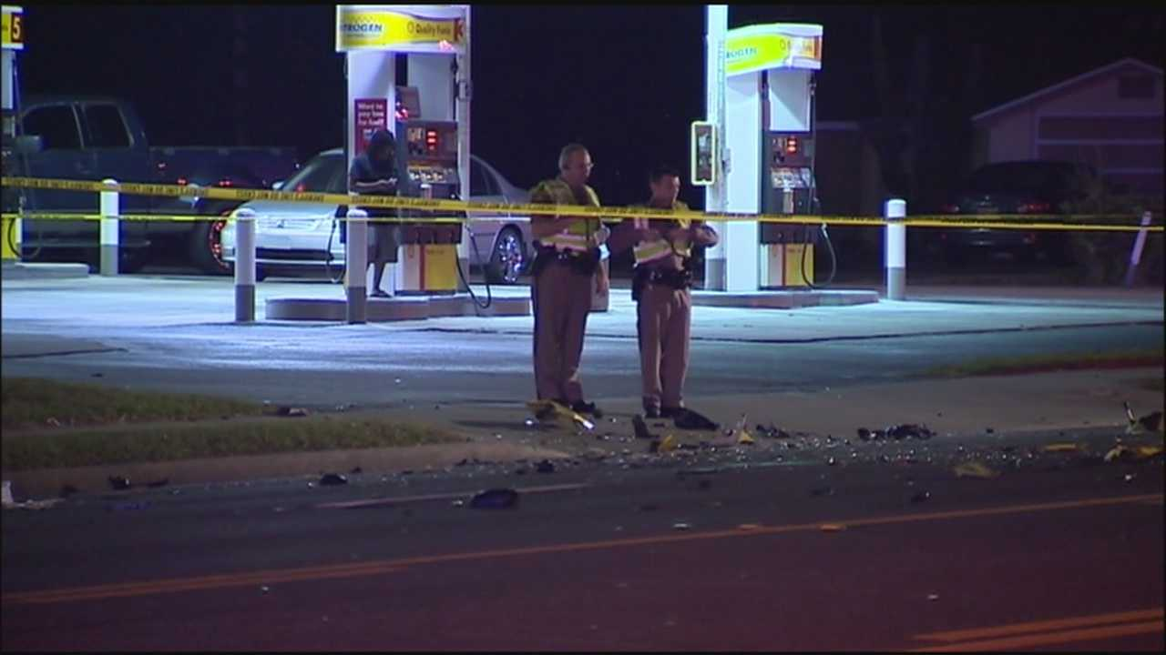 Motorcycle crash leaves 1 dead, 1 in critical condition