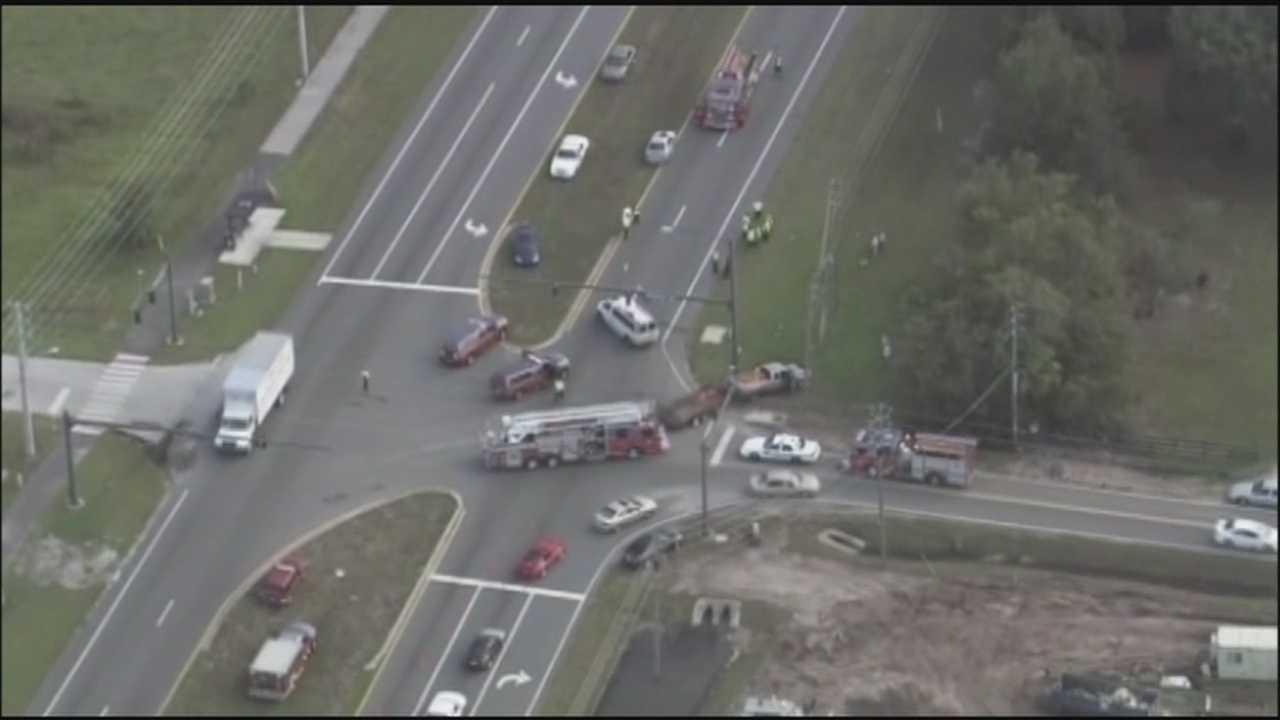 9 children injured in van crash