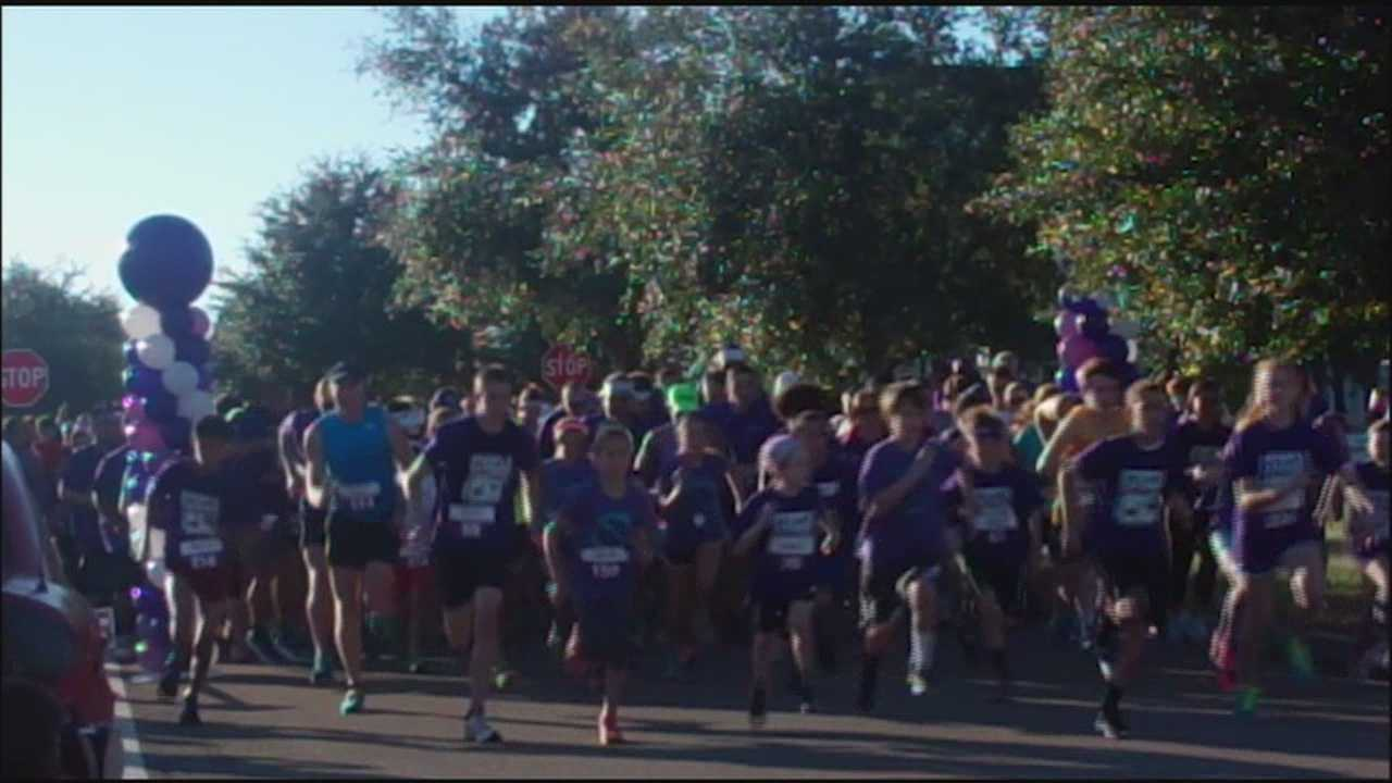 Runners support Pancreatic Cancer Awareness Month