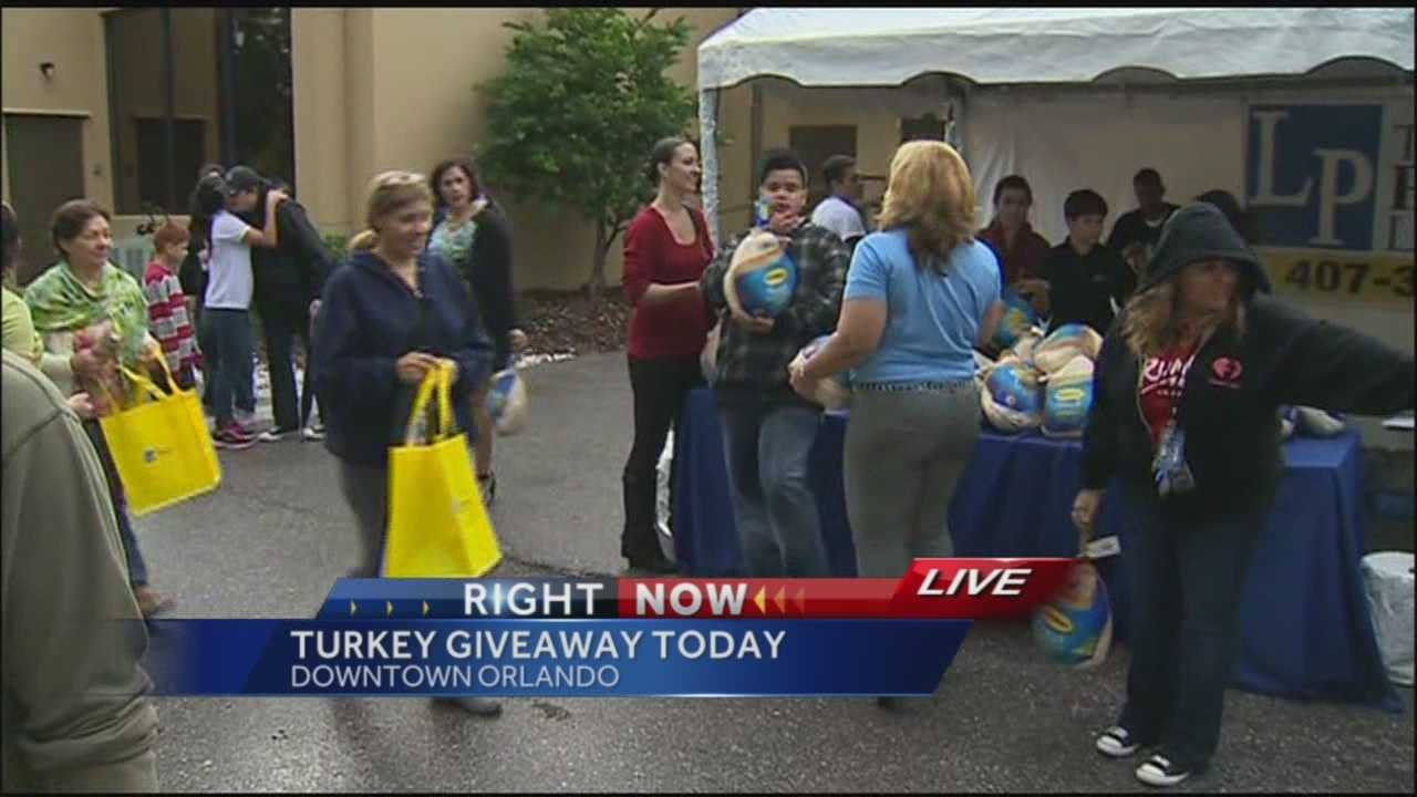 1,200 turkeys given away in Orlando