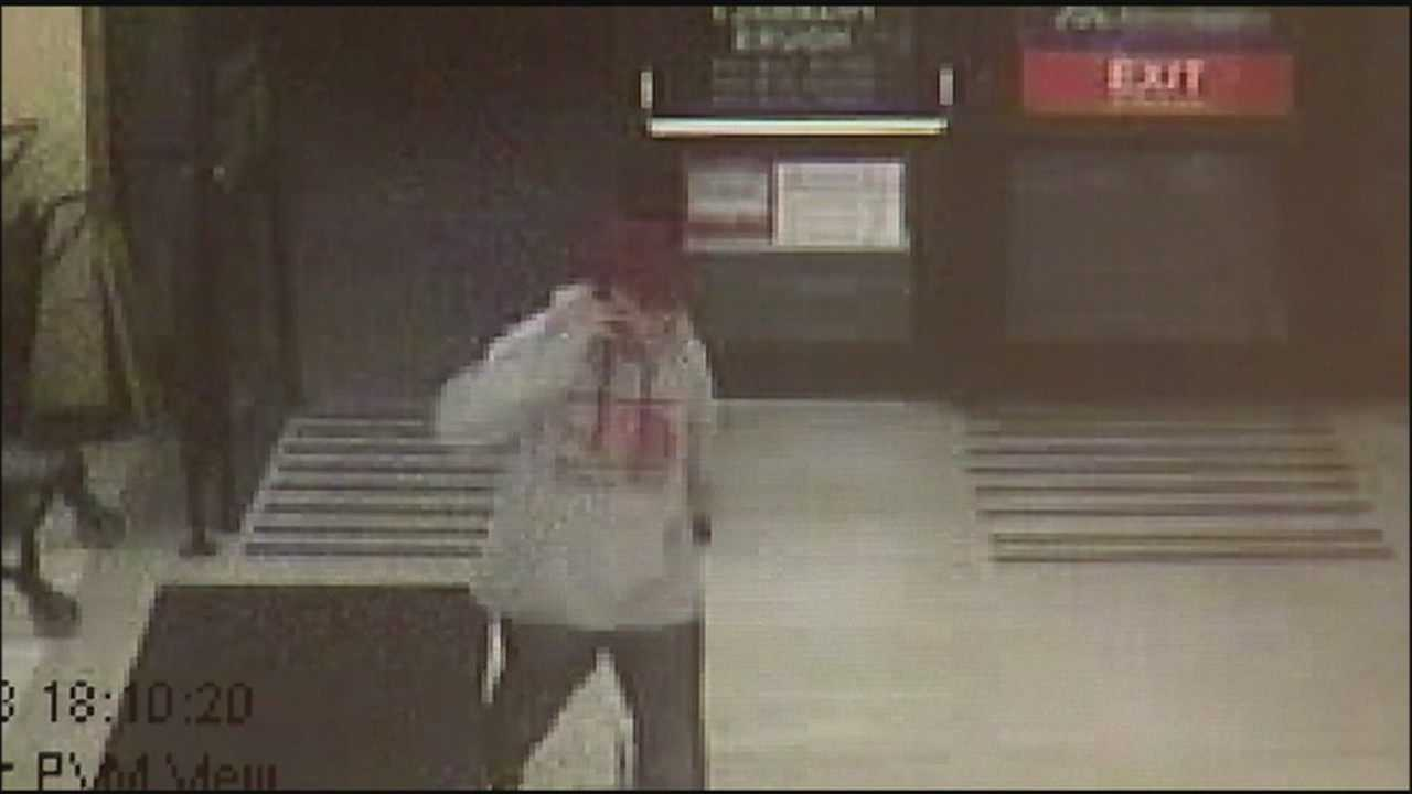 Police: Gunman robs two busy local grocery stores