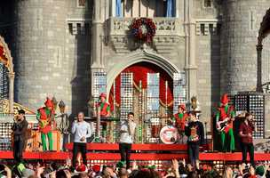 "The Wanted performs ""Santa Claus is Coming to Town"""