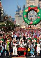See pictures from the 2013 Disney Christmas Day Parade.