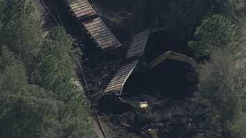 A train derailment that occurred early Friday morning was deemed secure by Marion County Fire Rescue after it was determined there were no injuries, fires or leaks.