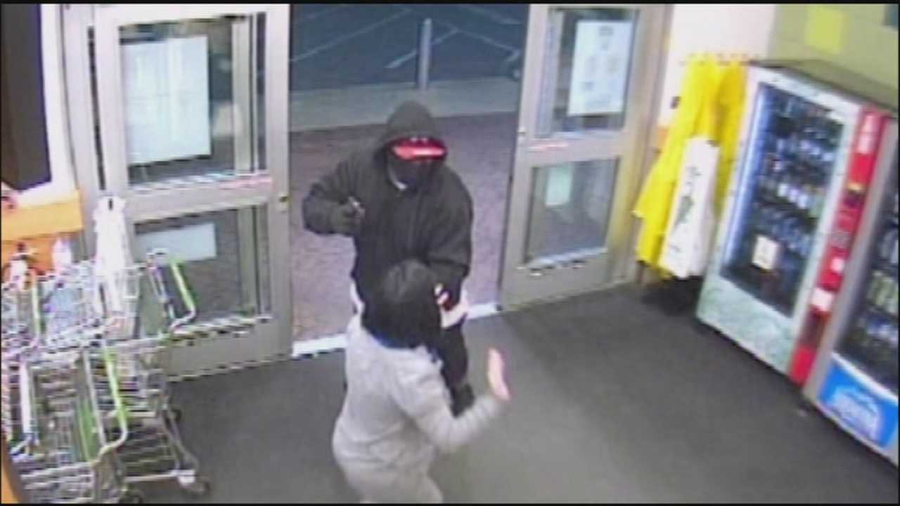 Winter Park police say it only took one minute and six seconds for two gunmen to rob a Publix.