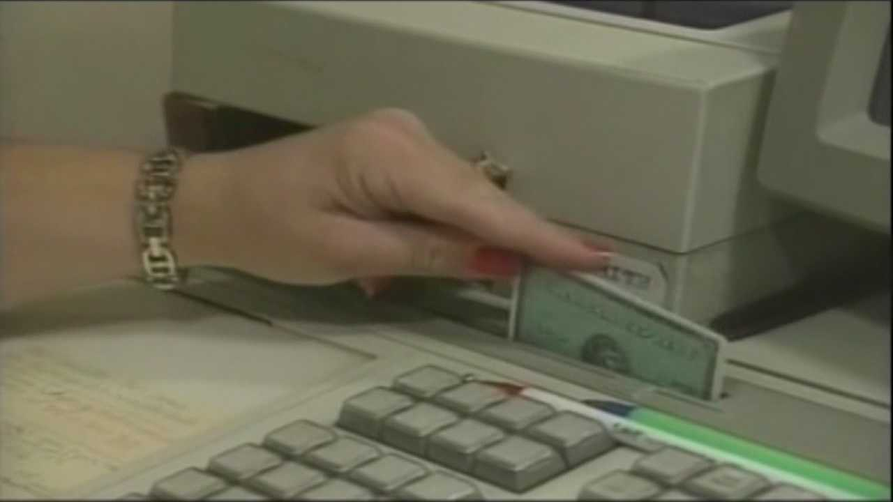 Woman avoids jail time, turns in accompices in credit card scheme