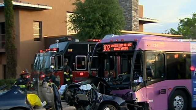 Several injured in Orlando bus crash