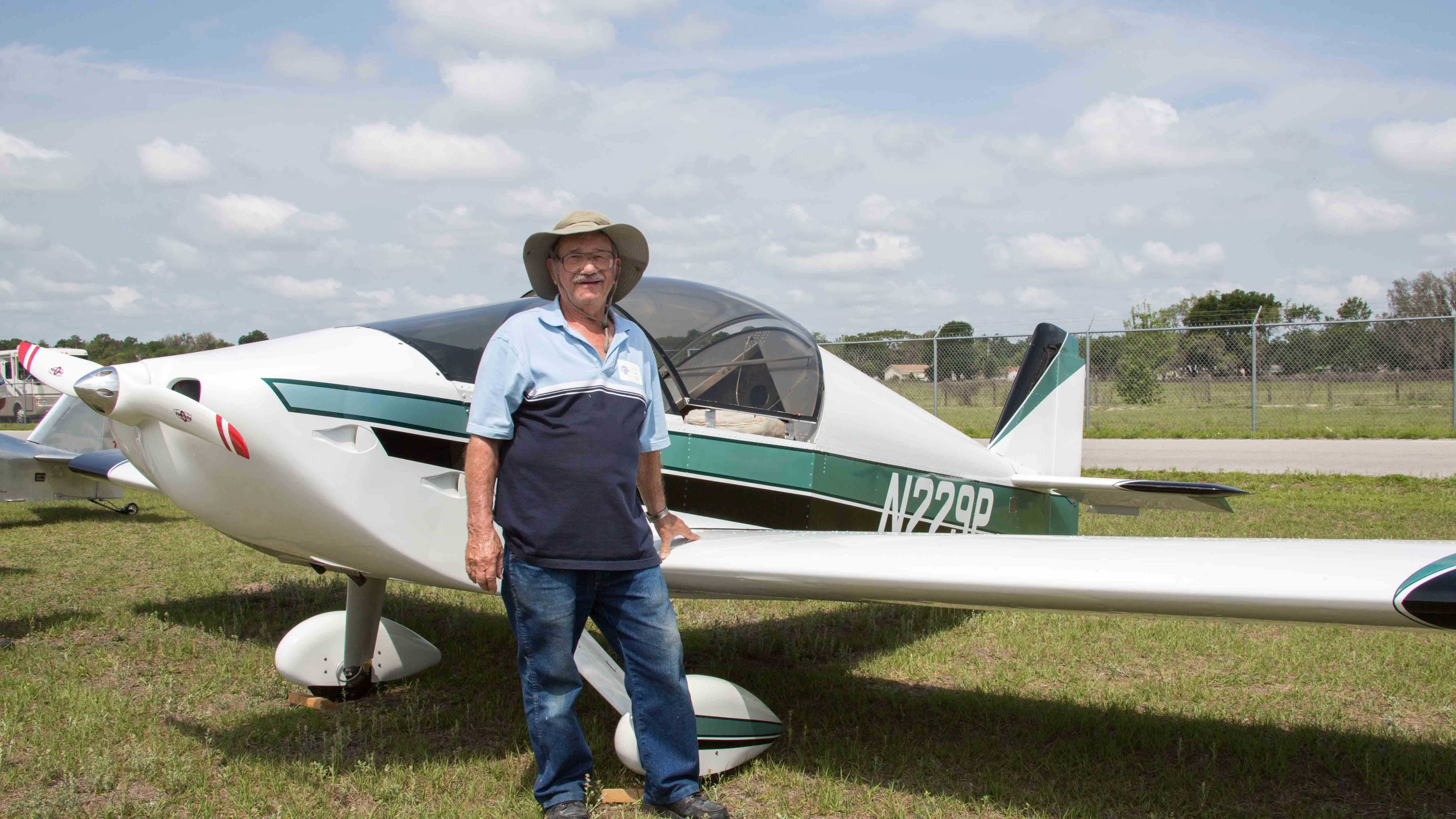 Missing pilot Theodore Weiss.jpg