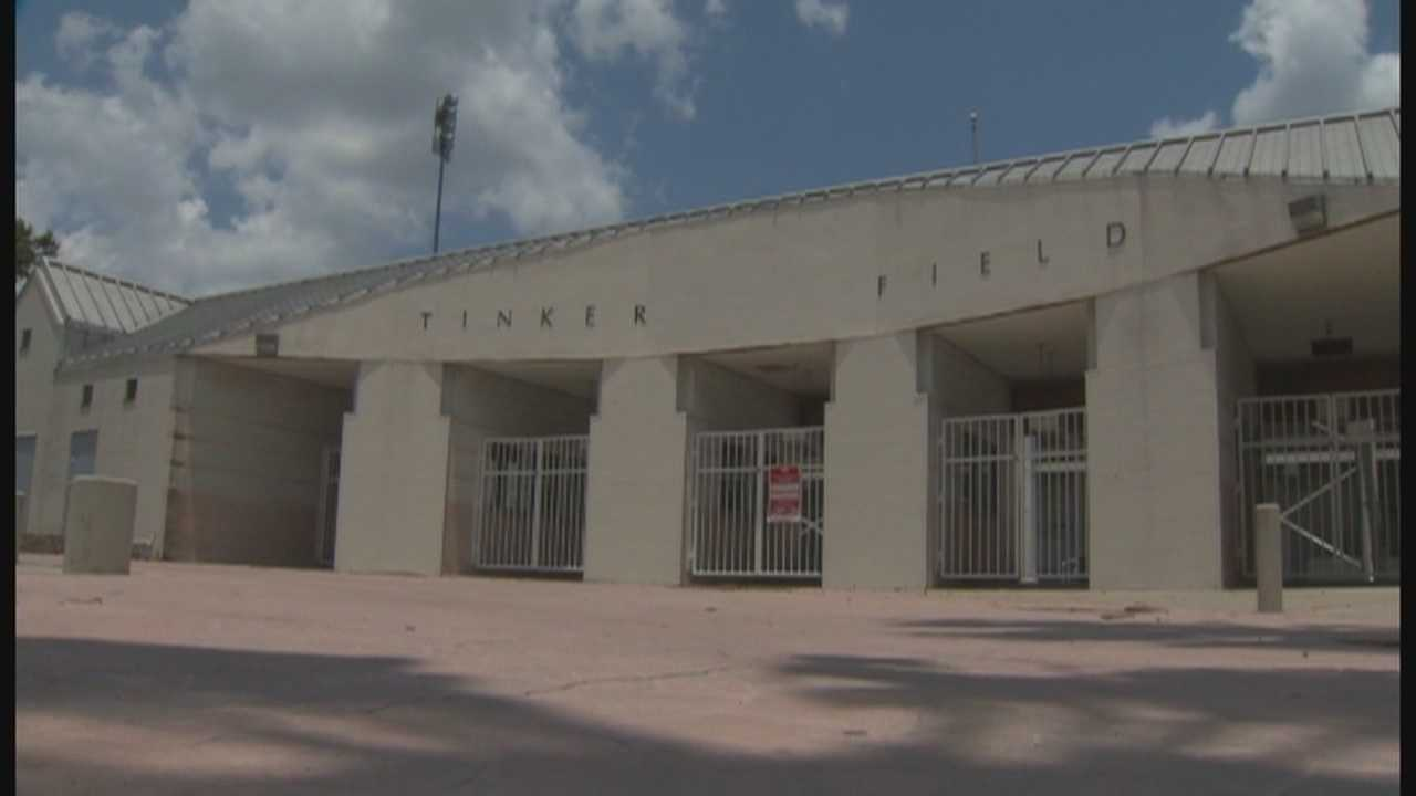 Orlando officials put decisions on future of Tinker Field on hold
