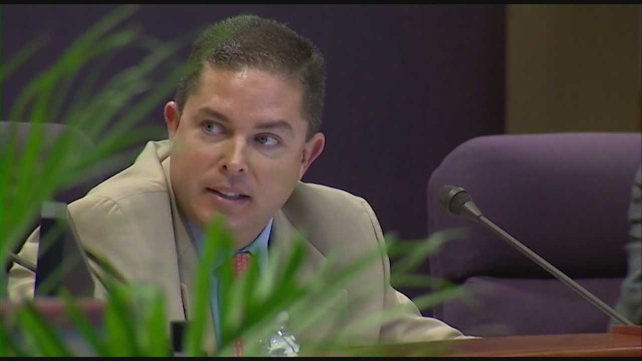 img-Documents detail bribery charges Scott Batterson is facing