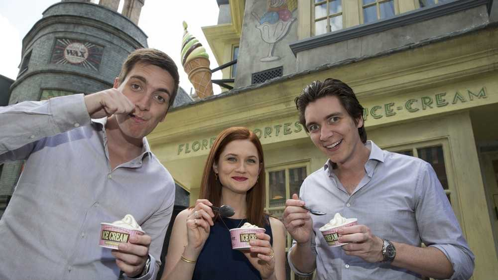 """The """"Weasley family"""" try ice cream from Florean Fortescue's Ice-Cream Parlour"""