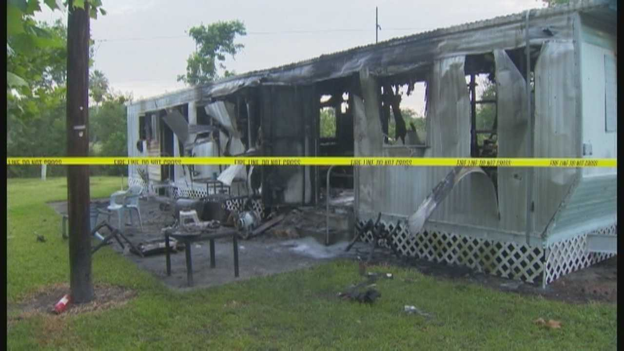 Man dies after being pulled from burning mobile home
