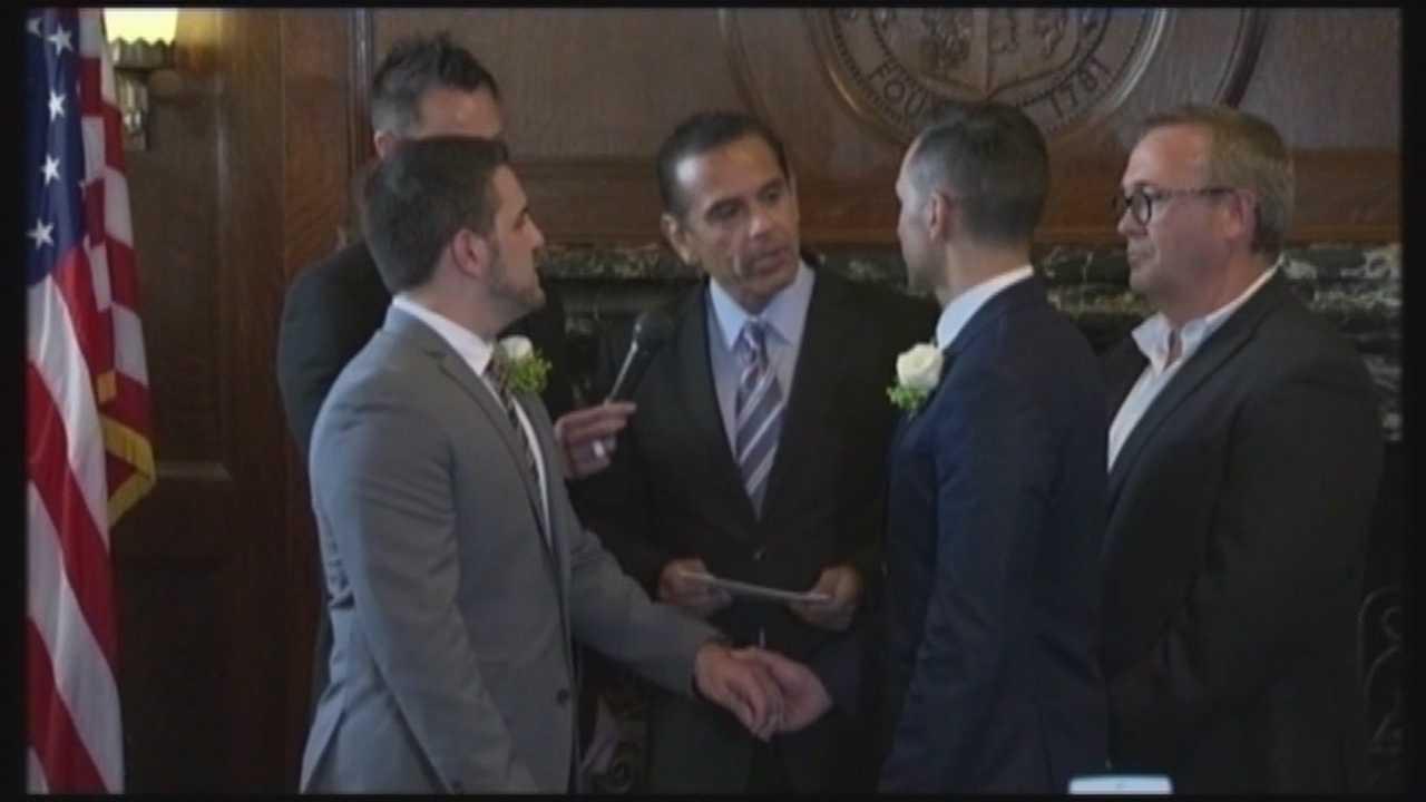 img-Florida Keys judge overturns same-sex marrige ban