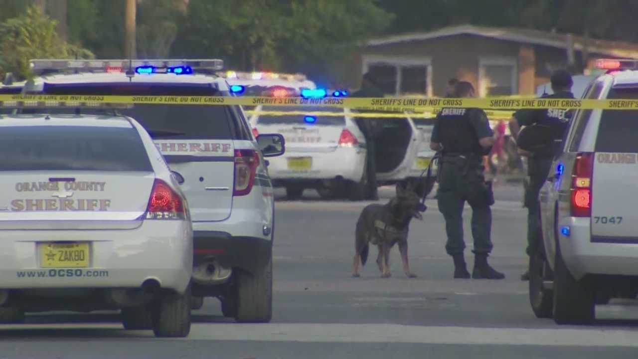img-Deputies searching for suspected gunman after shooting in Pine Hills