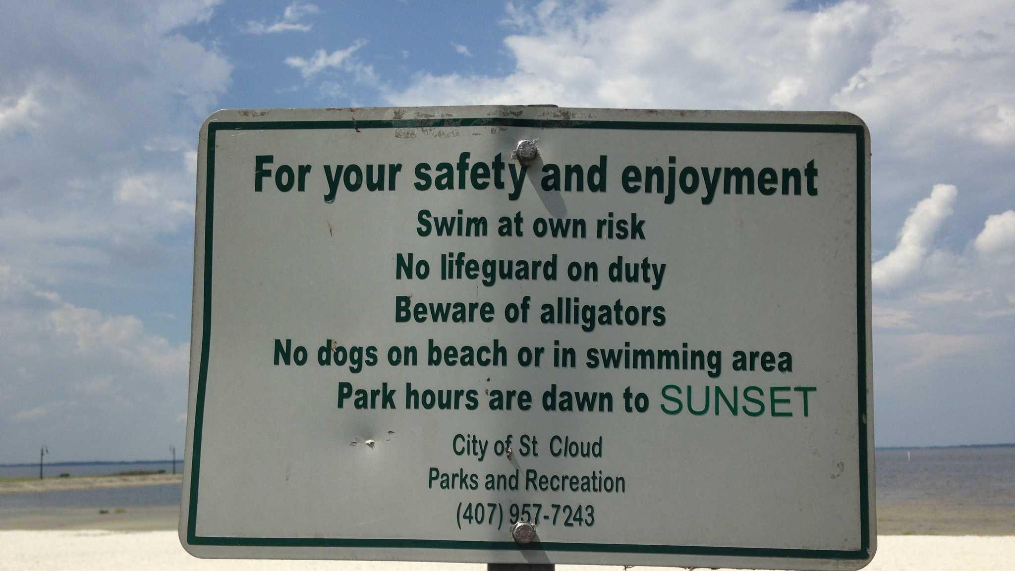 East Lake Toho gator warning sign.jpg