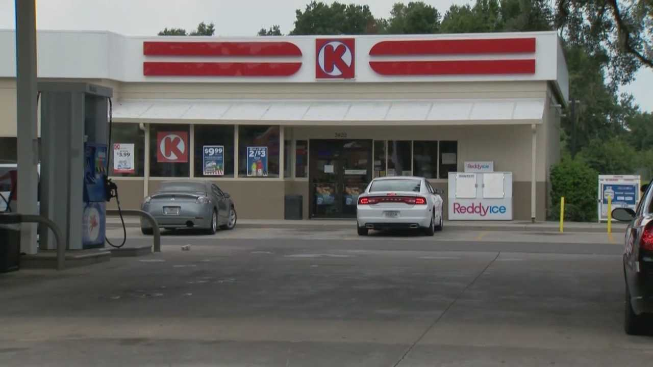 A woman robbed a local convenience store and told the clerk she was doing it because of her family, according to the Ocala Police Department.