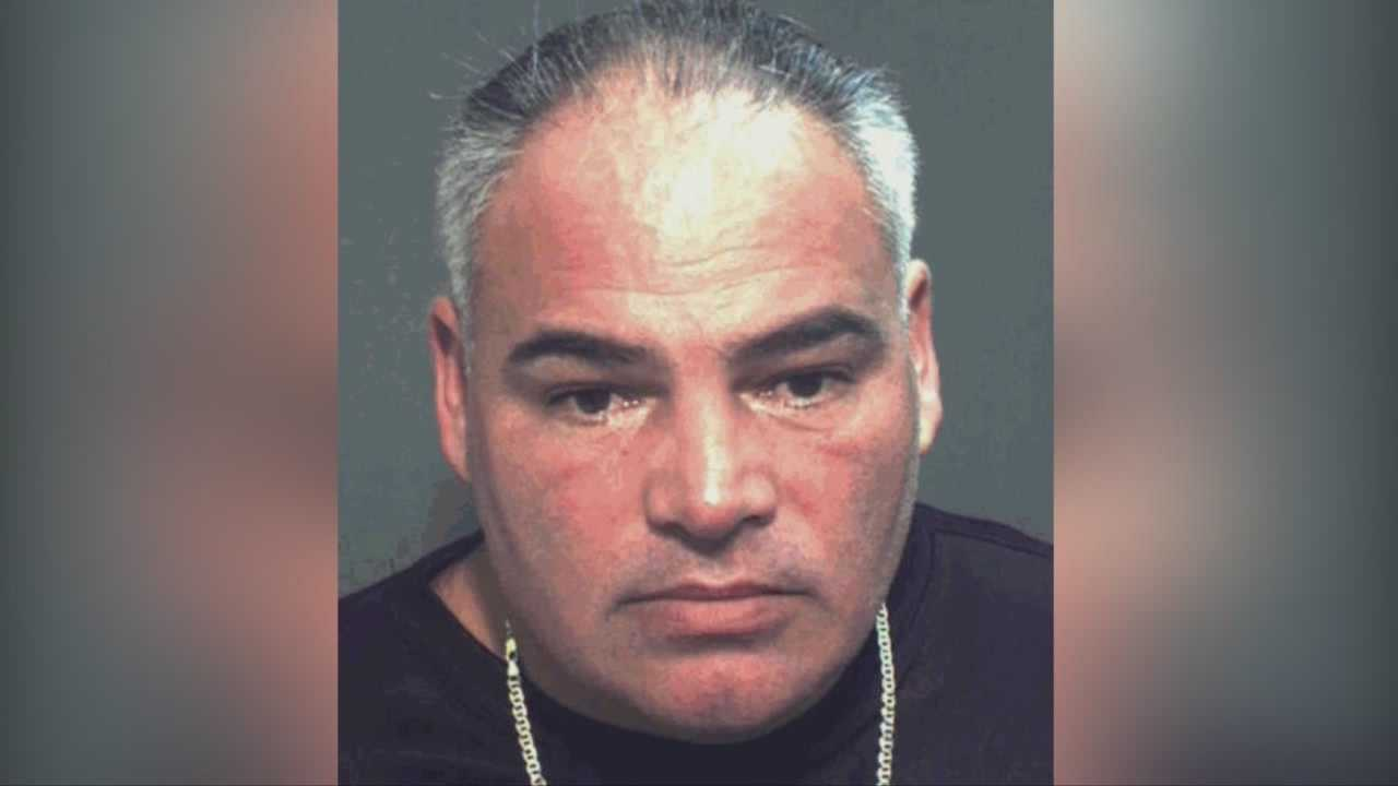 Man accused of impersonating Sheriff's Office deputy for parking pass