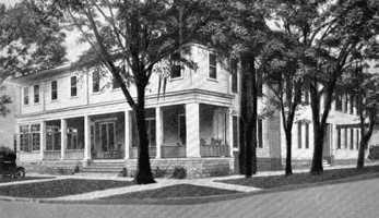 1926: View of Hotel Montezuma in Sanford