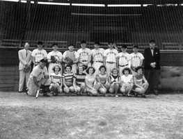 1950: Photo of the New York Giants with the Sanford Girls' Team
