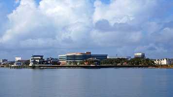 8. Pensacola, FLPopulation: 52,909Violent Crimes: 9.11 per 1,000 residentsProperty Crimes: 60.75 per 1,000 residentsTotal Reported Crimes: 69.86 per 1,000 residents