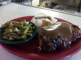 5. Mary's Country KitchenAddress:15945 County Road 448, Tavares, FL 32778