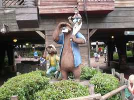 Jess Harnell is the voice of Splash Mountain's Br'er Fox. Br'er Bear is voiced by Nick Stewart, the original actor who played him in 'Song of the South.'