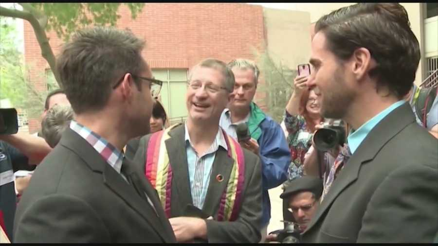 Judge clerks have legal duty to issue same sex marriage licenses - Orange county clerk s office ...