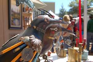 1. Winter Park Sidewalk Art FestivalWhen:Friday - Saturday, 9 a.m. - 6 p.m., Sunday 9 a.m. - 5 p.m.Where:328 N Park Ave, Winter Park, FL 32789Cost:FreeWhat:The Winter Park Art Festival is one of the largest juried, outdoor art festival in the nation. Don't miss out on some of the most prestigious art from around the world, great food, and plenty of fun activities for children. For the first time this year, the Sun Rail will be running for free all three festival days. Find out Sun Rail schedulehere.