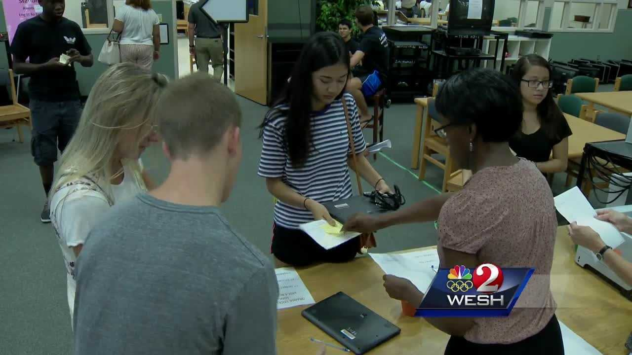 Orange County to hand out 73,000 laptops to students