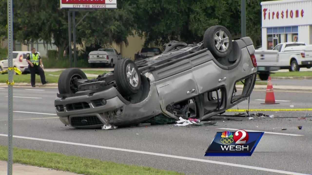 Child killed, eight hurt in Leesburg crash