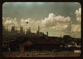 Near the end of the 1930's, parts of the country were beginning to recover from the stock market crash, but many in small towns and rural areas remained poverty-stricken. The Library of Congress is giving you a rare look at photos from the Great Depression era. The following is a sampling of the few color photos from the Depression years, when it was hard for many to afford fresh fruit with oranges at one cent and grapefruits at a nickel.