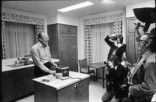 And President Gerald Ford mugs for the cameras while making his own breakfast at his Alexandria, Va., home in 1975. Apparently he liked toast.