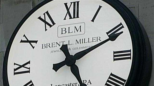 Amtrak clock
