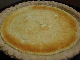 Lemon sponge pie