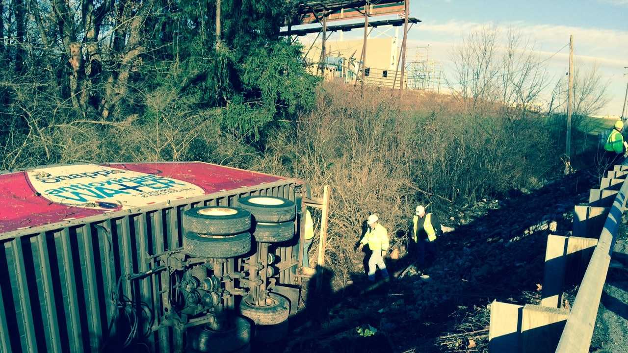 12.24.13 truck crash 10.JPG