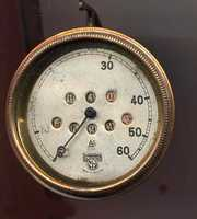 The odometer counted the rotations of the wheel, and helped calculate the distance that the carriages were traveling.(Source: postalmuseum.si.edu)