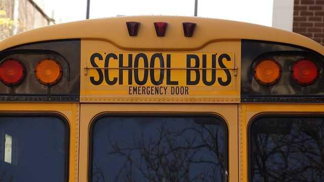 bus-1319360_640.jpg