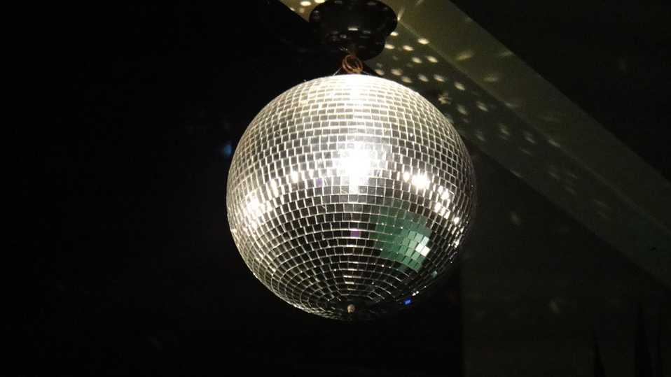 disco-ball-727116_960_720.jpg