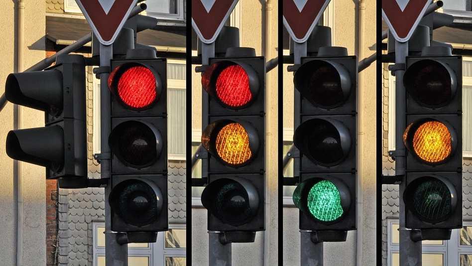 traffic-light-876050_960_720.jpg