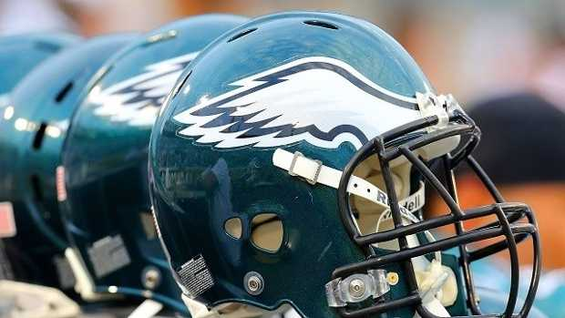Philadelphia-Eagles-helmet-Brian-Cleary-Getty-Images-jpg.jpg