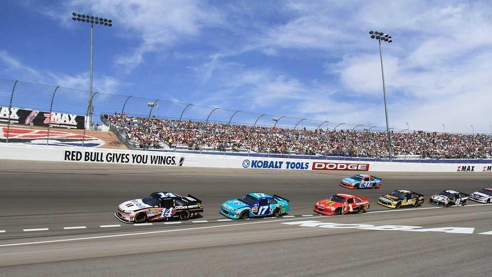 Jimmie-Johnson-wins-at-Atlanta-Motor-Speedway-jpg.jpg