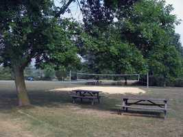A beach volleyball court is also available in the Middle Road area.