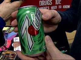 This looks and feels like a real 7-Up can. It even has the same weight as an unopened can of soda.