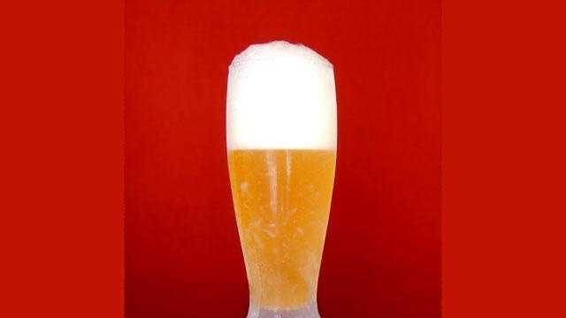 ... A nice, frothy head. And the head of a beer is important. It enhances the flavor and aroma. Now, the optimal size of a beer's head depends on the kind of beer you're pouring/drinking. But a general guideline is about two-finger's width.