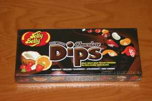 In addition to the colored jelly beans, Jelly Belly's new chocolate covered jelly beans, Dips, were used.