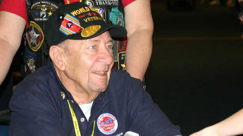 Honor Flight 253.JPG