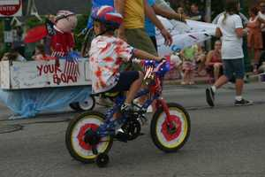 Many bikes were decorated in the holiday colors.