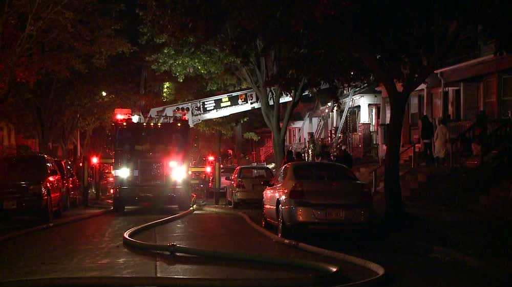 Fire damages two homes in Milwaukee