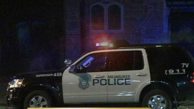 Milwaukee police investigate body found near 60th