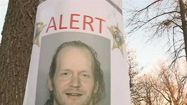 Sheriffs office posts signs about accused groper out on bail